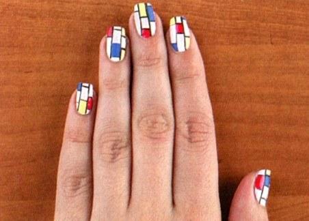 Как создать необычный геометрический маникюр