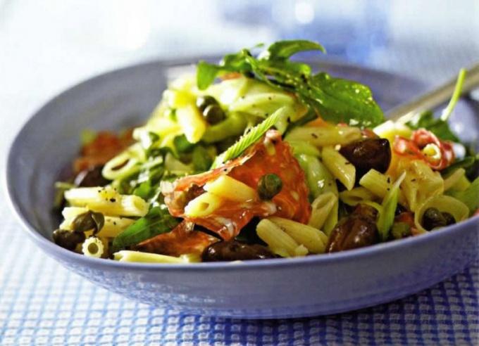 Как приготовить классический итальянский салат