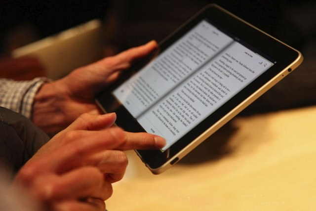how to download books on ipad