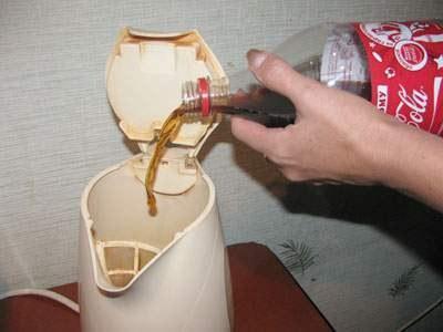 Как применить шипучие напитки в хозяйственных целях