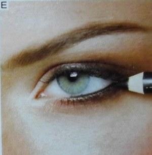 Черный карандаш лучше заменить на цветной