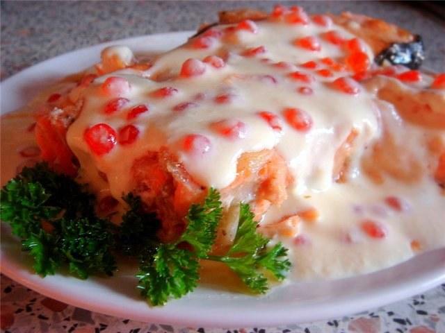 Семга в икорно-сливочном соусе