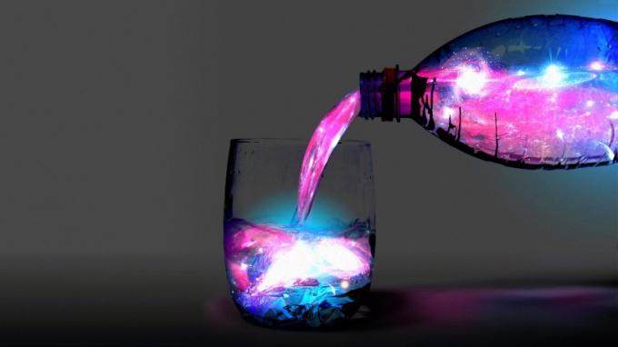 Как сделать светящуюся жидкость дома