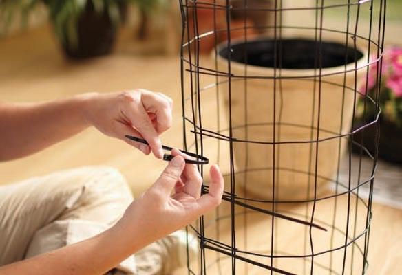 Вертикальные клумбы для петунии своими руками