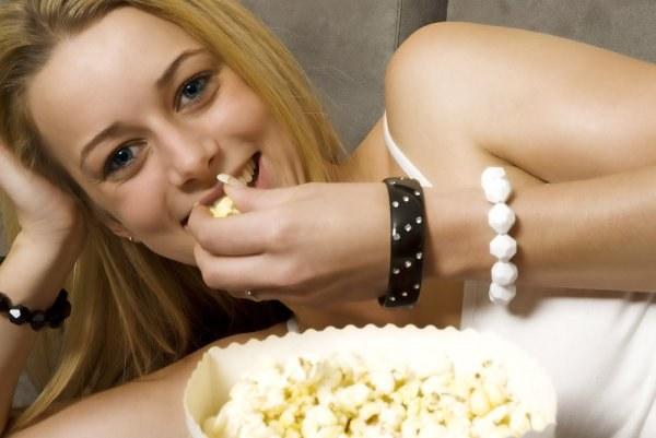 Как приготовить попкорн дома?