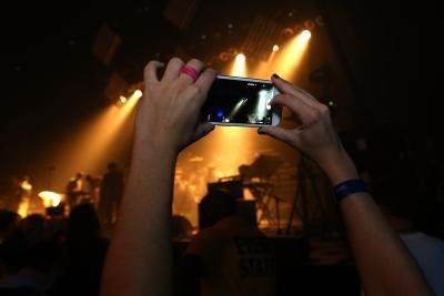 Как загрузить фотографии из Samsung Galaxy S III без использования карты памяти
