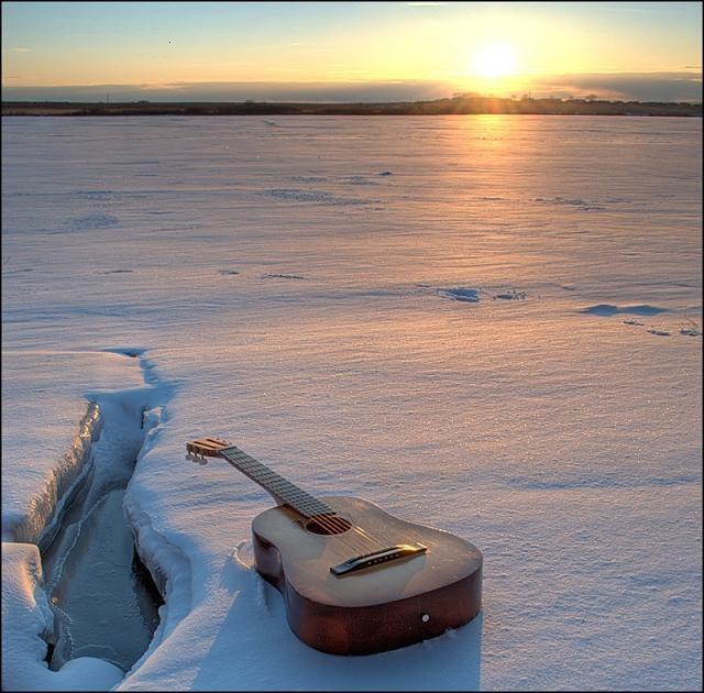 Как поднять настроение с помощью музыки