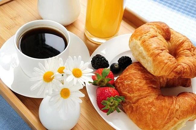 Напитки на утреннем столе