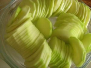 Как приготовить диетический салат для стройняшек
