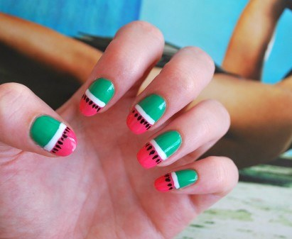 How to draw watermelon in manicure on nails