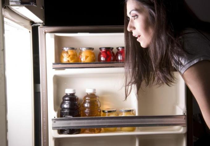 Диета для плоского живота - не ешьте ночью