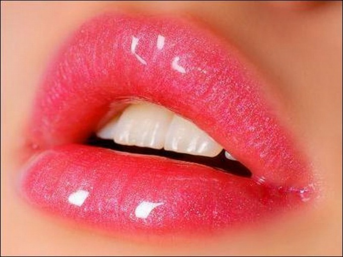 Secrets of charming lips