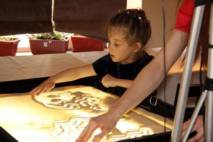5 причин научиться рисовать песком
