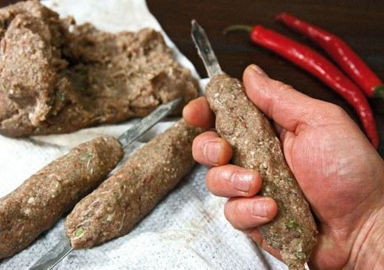 приготовление форели на мангале рецепт