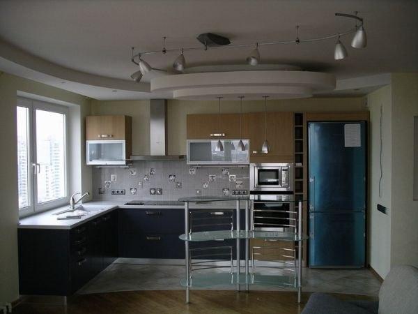 Как сделать красивые потолки на кухне