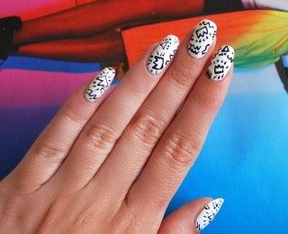 How to make an unusual manicure in the style of 80-x