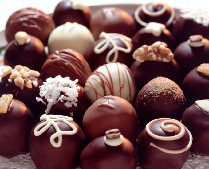 Как сделать шоколадные конфеты в домашних условиях