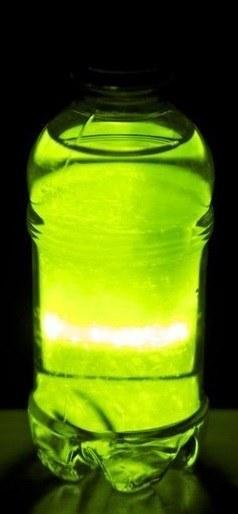 Как сделать безопасную светящуюся жидкость