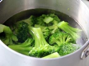 Как приготовить оладьи из брокколи