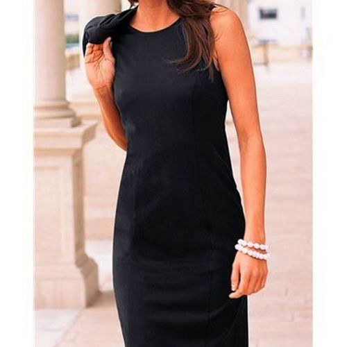 Как носила маленькое черное платье Коко Шанель