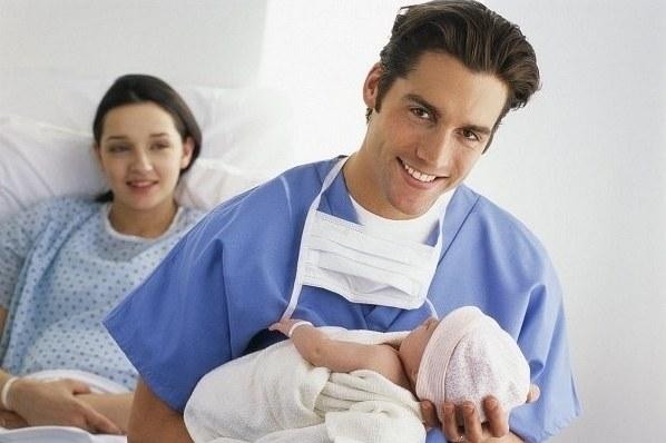 Присутствие папы на родах: за и против