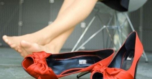 Балетки, ботильоны, кеды и кроссовки... Какая обувь пригодна, а какая нет?