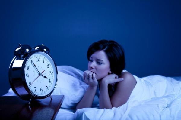 8 правил, которые помогут справиться с бессонницей