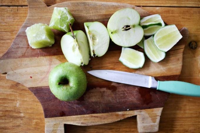 Как сделать цветочный яблочный коктейль