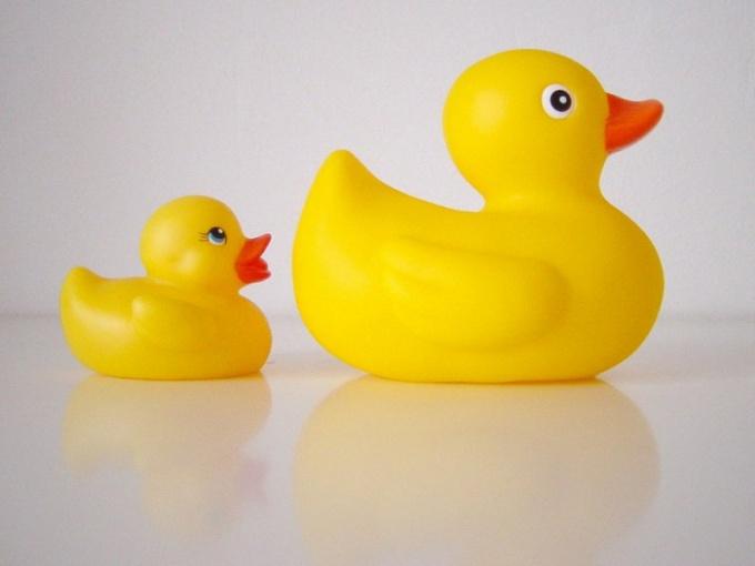 Как вылить воду из резиновых игрушек