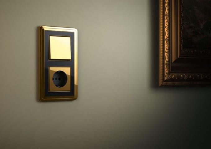 На какой высоте лучше всего делать выключатели в квартире