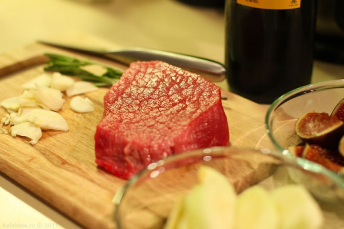 Что приготовить из свинины быстро