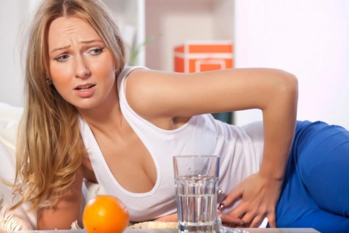 Как промыть желудок в домашних условиях