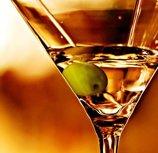 What is better to drink a Martini