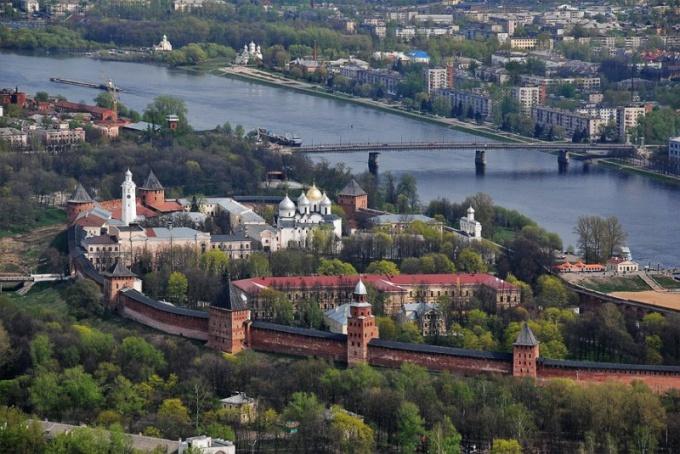 Какой город в России считается самым древним