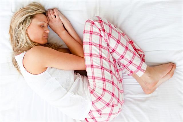 От чего затекают руки и ноги во сне