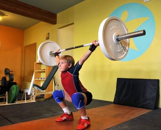 Юный тяжелоатлет
