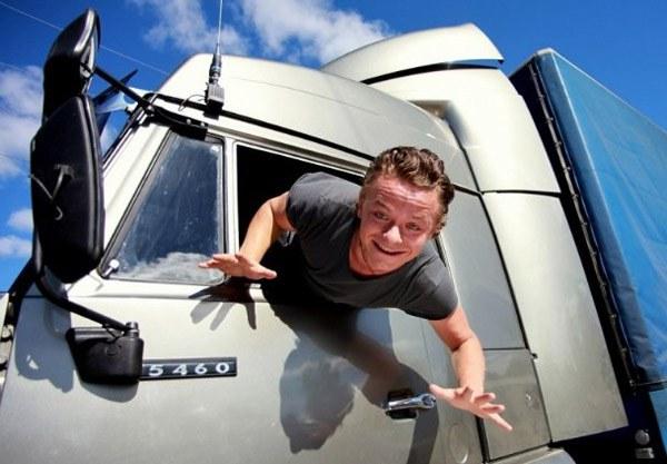 Почему водители грузовиков (фур) умнее водителей легковушек
