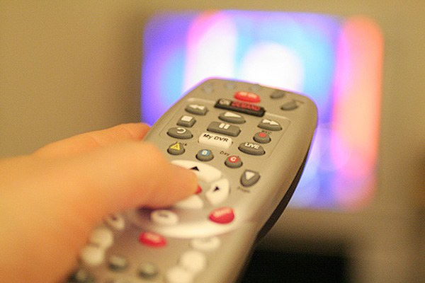 Каково различие между аналоговым, цифровым и кабельным телевидением