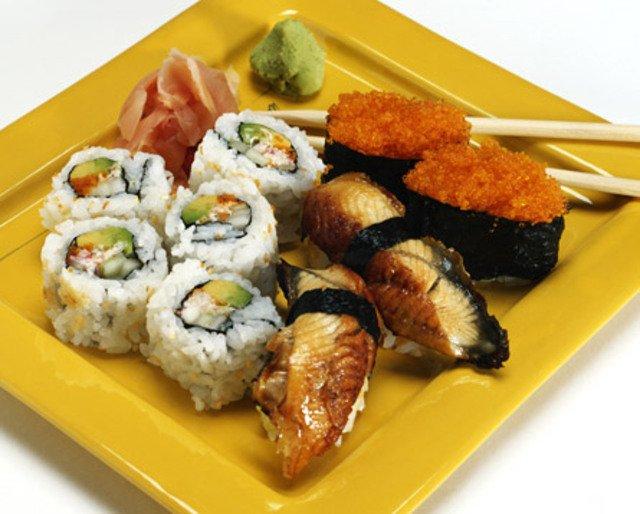 Японская кухня: полезны ли суши и роллы?