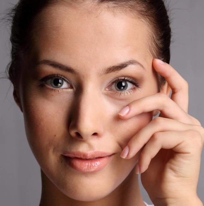 Как скрыть мимические морщины с помощью макияжа