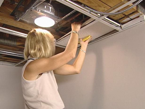 Устройство и монтаж подвесного плиточного потолка