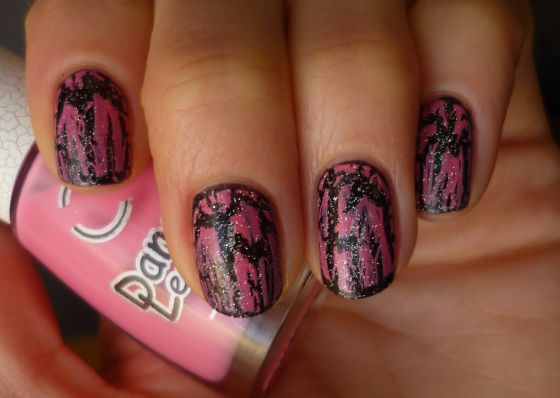 Трескающийся лак для ногтей