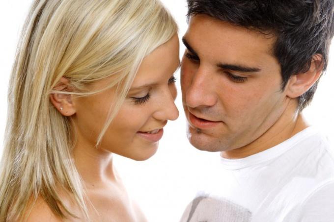 Как и где стеснительной девушке познакомиться с парнем — девушка познакомиться с парнем