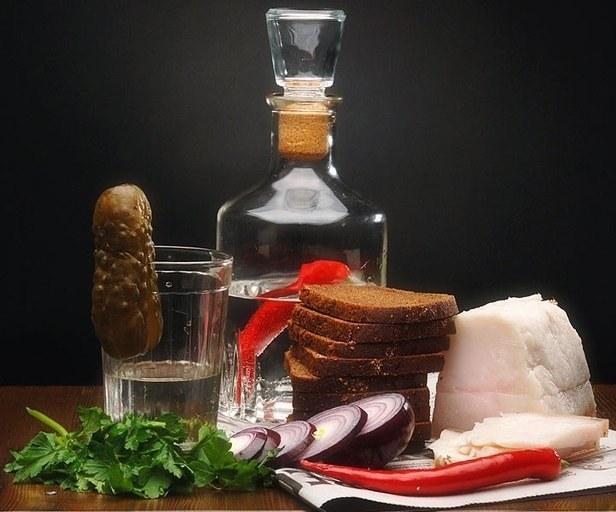 Чем можно закусить водку