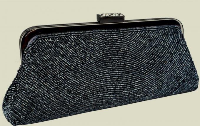 Как можно бисером украсить сумку