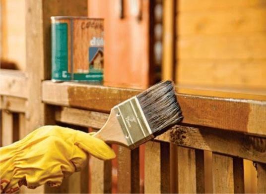Как защитить деревянный дом от гнили и грибка