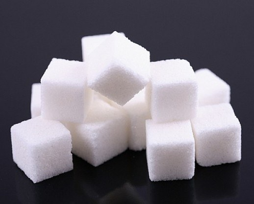 Нужен ли детям сахар