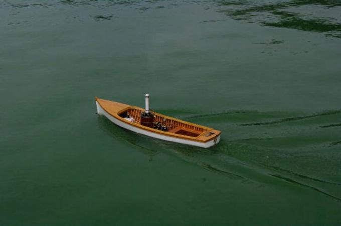 Лодка имеет довольно простую форму