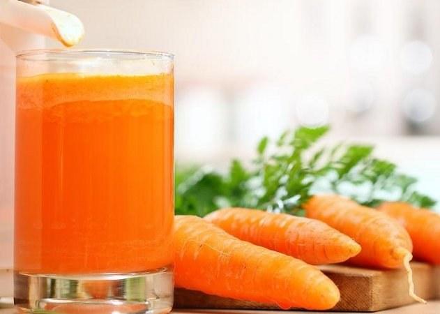Как приготовить алкогольный коктейль с морковным соком