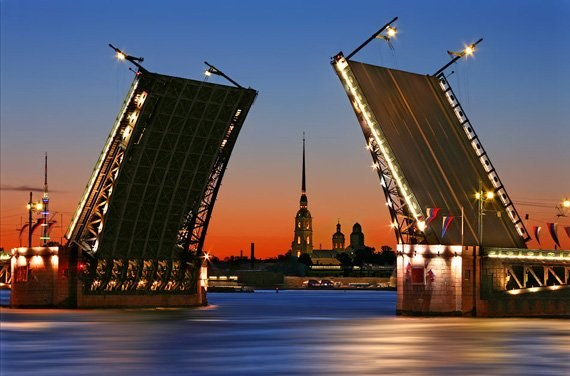 Изюминка Санкт-Петербурга - разводные мосты